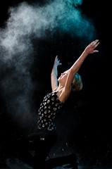 The great cloud of dust (Mikko Vuorinen) Tags: ihmiset meviart mikko jauhokuvaus jauhot lapset perhe vuorinen cloud dust portrait girl powder worship adore strobism young hands