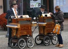 two barrel organ players (BZK2011) Tags: drehorgel barrelorgan drehorgelspieler leica vlux