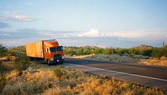Arizona 1995 (ofarrl) Tags: usa arizona desert saguaro schneidernational international9670 detroitdiesel bigrig semitruck 18wheeler truck trucking longhaul transport transportation 1995