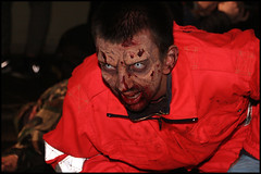 Si vede l'arancione? (cicciobaudo) Tags: zombie zombiewalk codigoro cosplay horror