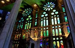 Sagrada Familia (treloma) Tags: cristaleras cristales templo sagrada familia sagradafamilia gaud modernismo colores arquitectura barcelona barna