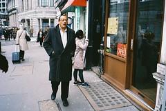 tall man (subway rat) Tags: 35mm film analog olympusmjuii mjuii mju2 mjuii kodak kodakultramax400 kodakfilm london uk england greatbritain unitedkingdom londonstreetphotography streetlife streetphotography streetphoto street man clerkenwell barbican filmforever filmisnotdead everybodystreet ishootfilm shootfilm staybrokeshootfilm filmphotography analogphotography filmcamera