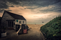 It is time for the beach... (Galerie-EF) Tags: cornwall stives voigtländerheliar4515mm