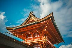 Fushimi Inari Taisha_1 (hans-johnson) Tags: fushimi inari taisha inaritaisha inarisan kyoto japan nihon nippon kansai kinki architecture temple jinja shrine shinto sky red canon eos 5d 5d3 vsco city urban blue orange           travel