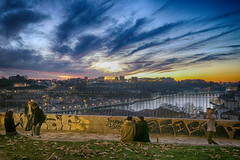 20161204_Dusk in Porto (Damien Walmsley) Tags: porto sunset dusk colours people portugal