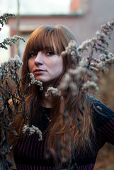 Winter winds (la_peppy) Tags: portrait girl woman ritratto eyes nikon d90 winter plants nature outdoor redhair