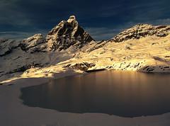 stunning sunset hitting the Goillet lanke and the Matterhorn (sonZ productionZ) Tags: cervinia cervino matterhorn ski snowboard offpiste winter 2016 pow