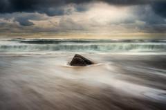 Avis de coup de vent ! (MathieuL33) Tags: ocean sea storm beach water eau w