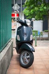 20140525_01_Piaggio Vespa LX150 (foxfoto_archives) Tags: art japan photoshop canon eos 50mm tokyo ginza italian italia vespa mark f14 sigma scooter adobe ii  5d   54 dg piaggio lightroom  lx150   hsm a014