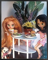 Blythe-a-Day June 2014 #19: Hungry: Ginnie, Little Goldie and Mr. Puggsly