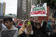 GazaProtestSM20140726_142 (DawnOne) Tags: copyright playing toronto balloons children dawn march peace post massacre protest july flags linda american pro hammond speakers gaza consulate palestinian deaths 2014 honouring