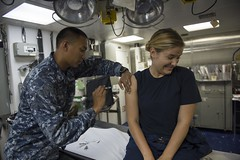140719-N-UD469-008 (U.S. Pacific Fleet) Tags: calif medical pacificocean manila roseville philippians typhoidvaccination rimpac2014 aboardtheamphibiousdocklandingshipussrushmorelsd47