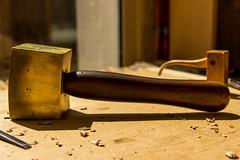 (BKt57) Tags: bronze bois marteau maillet