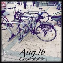 #everydaybybike #fixie #cycle #bike #roadbike #peugeot #vintage #retro #mnster (Singlespeed2011) Tags: bike vintage square retro cycle squareformat fixie peugeot mnster roadbike iphoneography instagramapp