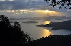 "lake kivu • <a style=""font-size:0.8em;"" href=""http://www.flickr.com/photos/62781643@N08/14997162635/"" target=""_blank"">View on Flickr</a>"