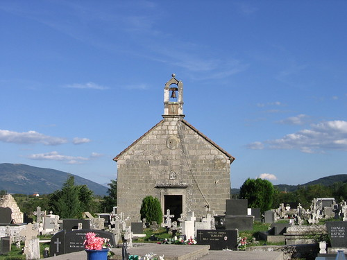 Sveti Petar u groblju , Vrlika