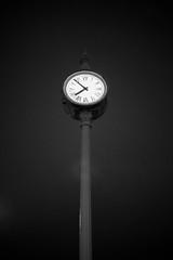 El Tiempo Pasa (Time Goes On) (Dibus y Deabus) Tags: españa blancoynegro sport night contrast port canon puerto 50mm noche spain time f14 gijón watch asturias contraste reloj gijon tiempo deportivo 6d blackandwite blackwite canon6d