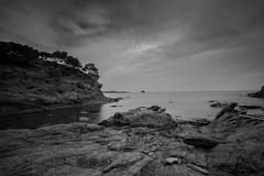 Cadaqus nuageux (David-Charles Arriv1) Tags: poselongue paysage cadaqus catalunia 5dmarkii 1740l nb nd400