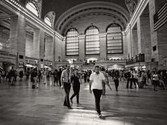 Grand Central Terminal, NYC (SG Dorney) Tags: ny nyc gct bw blackandwhite midtown city newyorkcity grandcentralterminal streetphotography people life