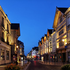 Troyes au carr! (jjcordier) Tags: troyes rue centre aube champagneardenne colombage faade heurebleue nocturne nuit