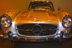 All About the Lighting (oybay©) Tags: mercedesbenz mercedes benz gullwing car automobile barrettjackson scottsdale arizona az carshow lighting golden silver carface expensive