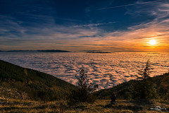 Monte Subasio, Assisi (--marcello--) Tags: monte subasio assisi umbria nebbia tramonto nature landscape sunset sun people fog sky clouds