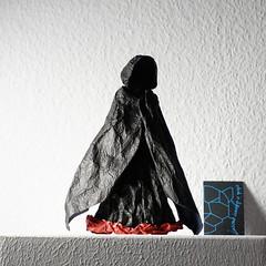 Mini Mors (Yureiko) Tags: yureiko skulptur sculpture papierfalten papier art kunst origami paperfolding paper   shiborigami