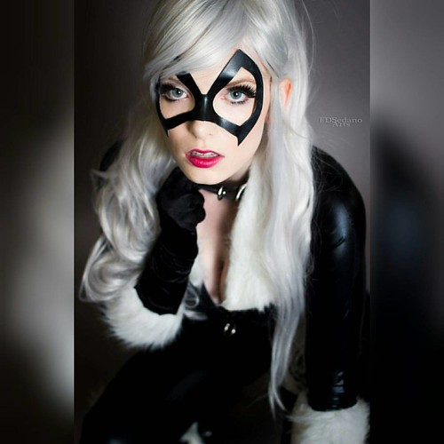 #blackcat #cosplay from #marvelcomics  #model @starnercosplay__  #photographer @fdsedanoartsdanoarts    #blackcatcosplay #spiderman #marvel #cat #whitehair #lighteyes #spidermanuniverse #badkitty #collar #cosplaying #cosplayer #sexycosplay #blueyes #marve