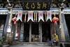 (cherco) Tags: china temple templo colour colours colores sleep dormir ancient anciano shibaoshan alone solitario man hombre mountain montaña composition composicion canon lantern lampara people gente