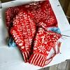 Julevotten2016, del 16 (osloann) Tags: julevotten2016 votter mittens stranded mønsterstrikk jul christmas rødt hvitt red white strikking knitting vottelauget wool woollove ull røros lamullgarn