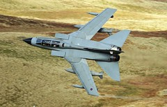 GR4 (Dafydd RJ Phillips) Tags: aviation military fighter jet mach loop low level panavia tornado gr4