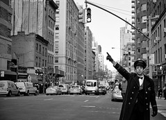 Stranger 86/100   Uptown Taxi-Hail-New-York-City-Manhattan-