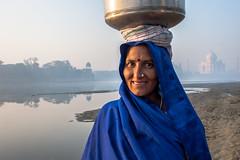 MYI_6335 (yaman ibrahim) Tags: india agra nikon d3 tajmahal yamuna morning water saree mis misty