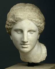 Anonym Roman copy  of the Aphrodite of Cnido // greek original by Praxiteles, 360 BC (mike catalonian) Tags: female marble fead praxiteles ancientgreece sculpture aphroditeofcnido