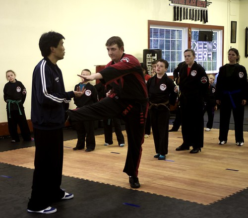 "adult_class_sifu_jim • <a style=""font-size:0.8em;"" href=""http://www.flickr.com/photos/125344595@N05/14423338723/"" target=""_blank"">View on Flickr</a>"