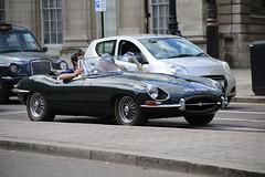 E-type 4.2 Roadster (kenjonbro) Tags: uk england green london westminster trafalgarsquare sunny convertible jaguar 1968 cabrio charingcross 42 themall sw1 roadster etype britishracinggreen worldcars kenjonbro 4235cc canoneos5dmkiii kencorner canonzoomlensef9030014556 pyn824f