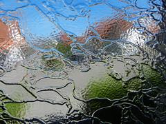 Liquid Reality (gripspix) Tags: test house glass haus refraction glas lichtbrechung structured verzerrung strukturiert distrosion nikon9100 20140719