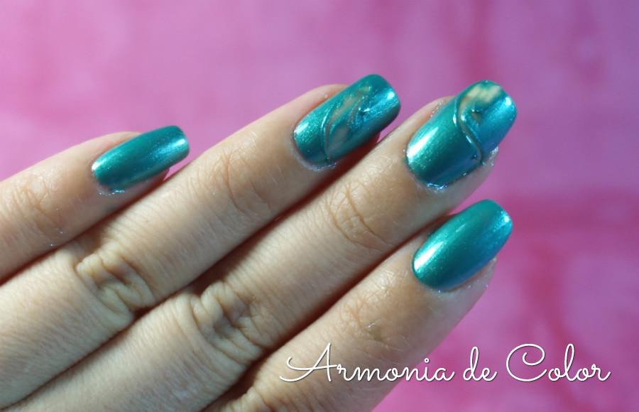 errores al pintarse las uñas 6