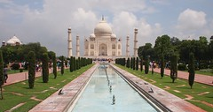 The beautiful Taj Mahal (mungosciko) Tags: india tajmahal agra incredible