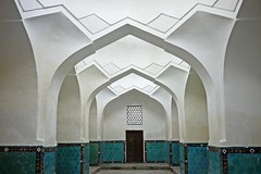 Perspective view (Rosmarie Wirz) Tags: white perspective corridor entrance arches symmetry balance samarkand depth guremirmausoleum islamicarchitecture