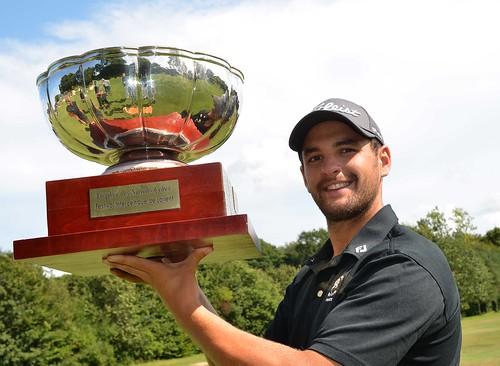Golf Trophy 52