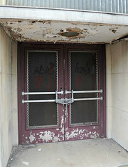 Staats Building (neshachan) Tags: door building architecture theatre charleston charlestonwv staatsbuilding