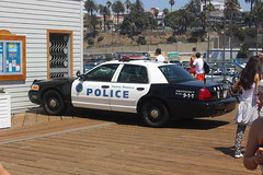 Santa Monica Police Department (ST33VO) Tags: california santa blackandwhite usa ford car america us automobile united police victoria monica vehicle crown law states enforcement squad polizei department cruiser patrol policia prowler interceptor polis politie fiveo cvpi
