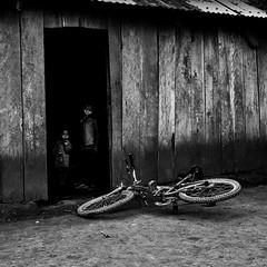 Kidz (tirizde) Tags: bw cambodge cambodia fuji 2014 senmonorum x100s cambodge2014