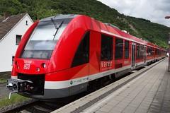 DB Diesel motor unit N 620 506 (LINT 81) leaving the station of Ahrbrck. (Franky De Witte - Ferroequinologist) Tags: de eisenbahn railway estrada chemin fer spoorwegen ferrocarril ferro ferrovia