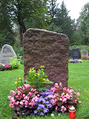 pelle ohlin grave II (id0704) Tags: cemetery grave graveyard dead death gravestone mayhem кладбище могила peryngveohlin могильныйкамень pelleohlin пеллеолин перингвиолин