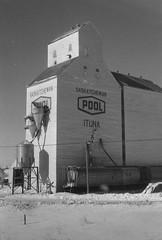 Scan10001conbrstr (citatus) Tags: trip canada train minolta elevator grain rail 102 saskatchewan srt ituna