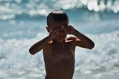 (MissTitty) Tags: sea summer people beach child bokeh bimbo gallipoli autofocus vpu candidphotography frozenmoment southitaly greatphotographers peopleunposed simplysuperb flickrestrellas nikonflickraward saariysqualitypictures waterineyes lifoggi estate2014 acquanegliocchi
