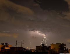 Μακρυνη καταιγιδα στα ΝΑ της Αττικης