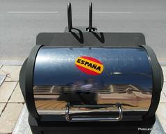 Espaa (Landahlauts) Tags: basura espaa nacionalismo espaolista espaolazo fotografiascuriosas